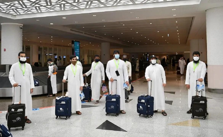 Hajj pilgrims arrive in Jeddah for this year's pilgrimage amid the coronavirus outbreak. (SPA / Twitter)