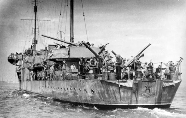 صورة لإحدى السفن السوفيتية بالبحر الأسود