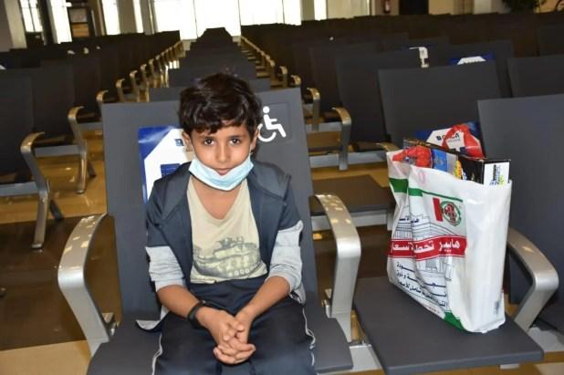 بعض المسافرين على رحلة اليوم للعودة إلى سقطرى