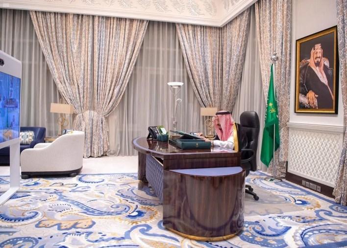 الملك سلمان بن عبد العزيز يترأس جلسة مجلس الوزراء