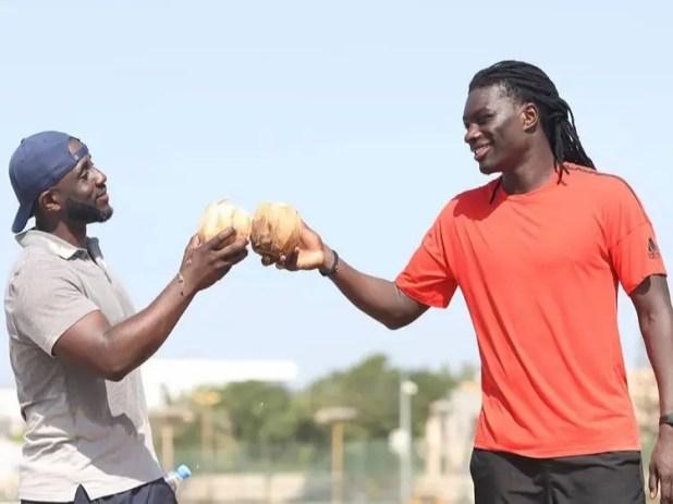 مدرب اللياقة مع غوميز بالعاصمة السنغالية داكار
