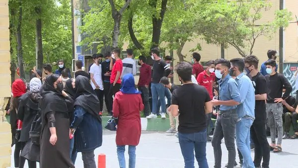تجمعات اعتراضی دانشآموزان به برگزاری امتحانات حضوری در ایران