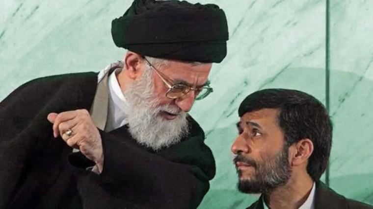 محمود أحمدي نجاد والمرشد علي خامنئي
