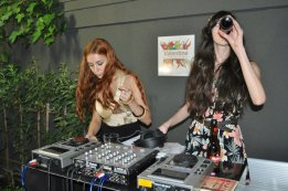 Brianda Fitz James Stuart & Miranda Makaroff DJS SET