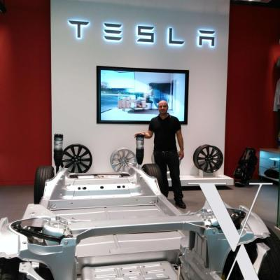 Tesla Shop Hamburg