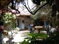 Einer der wunderschönen Innenhöfe in Villa de Leyva.
