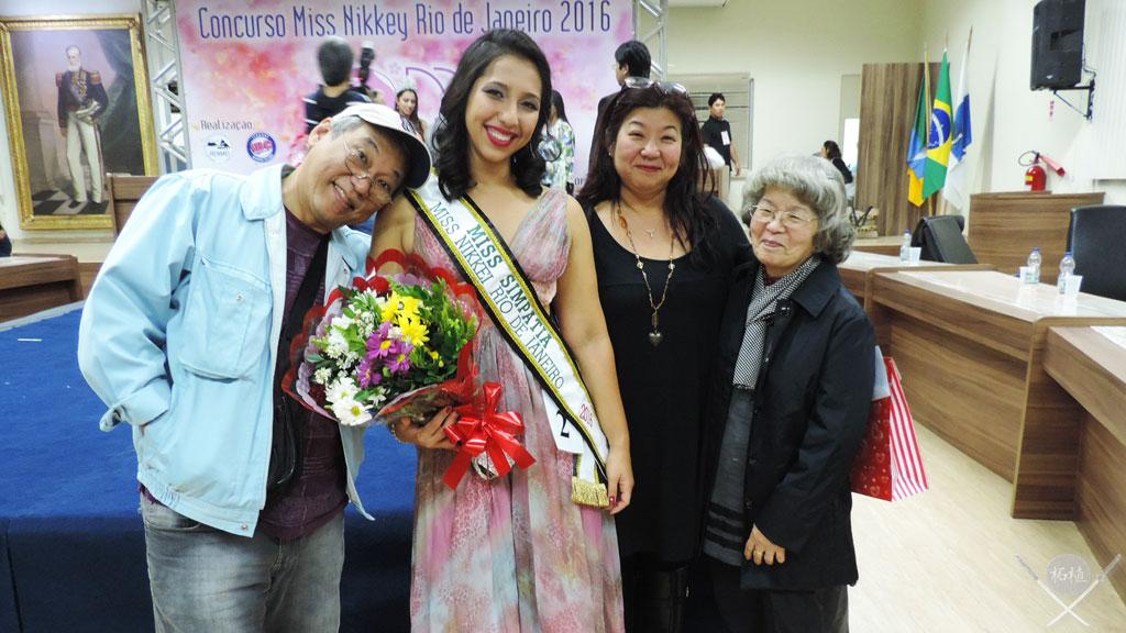 Miss Nikkey família
