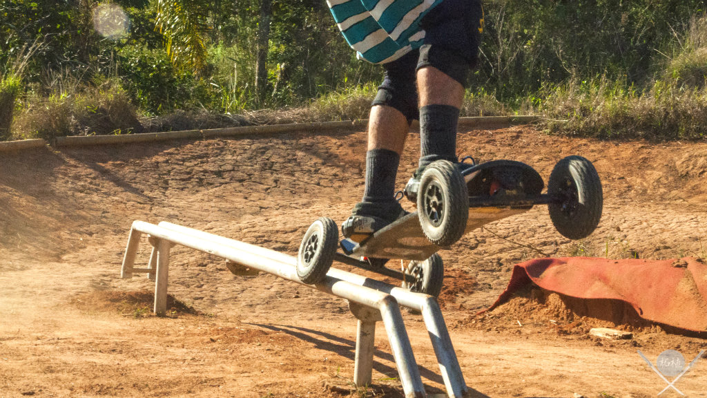 Mountainboard manobra