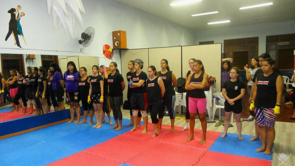 outubro rosa - muay-thai inicio graduação