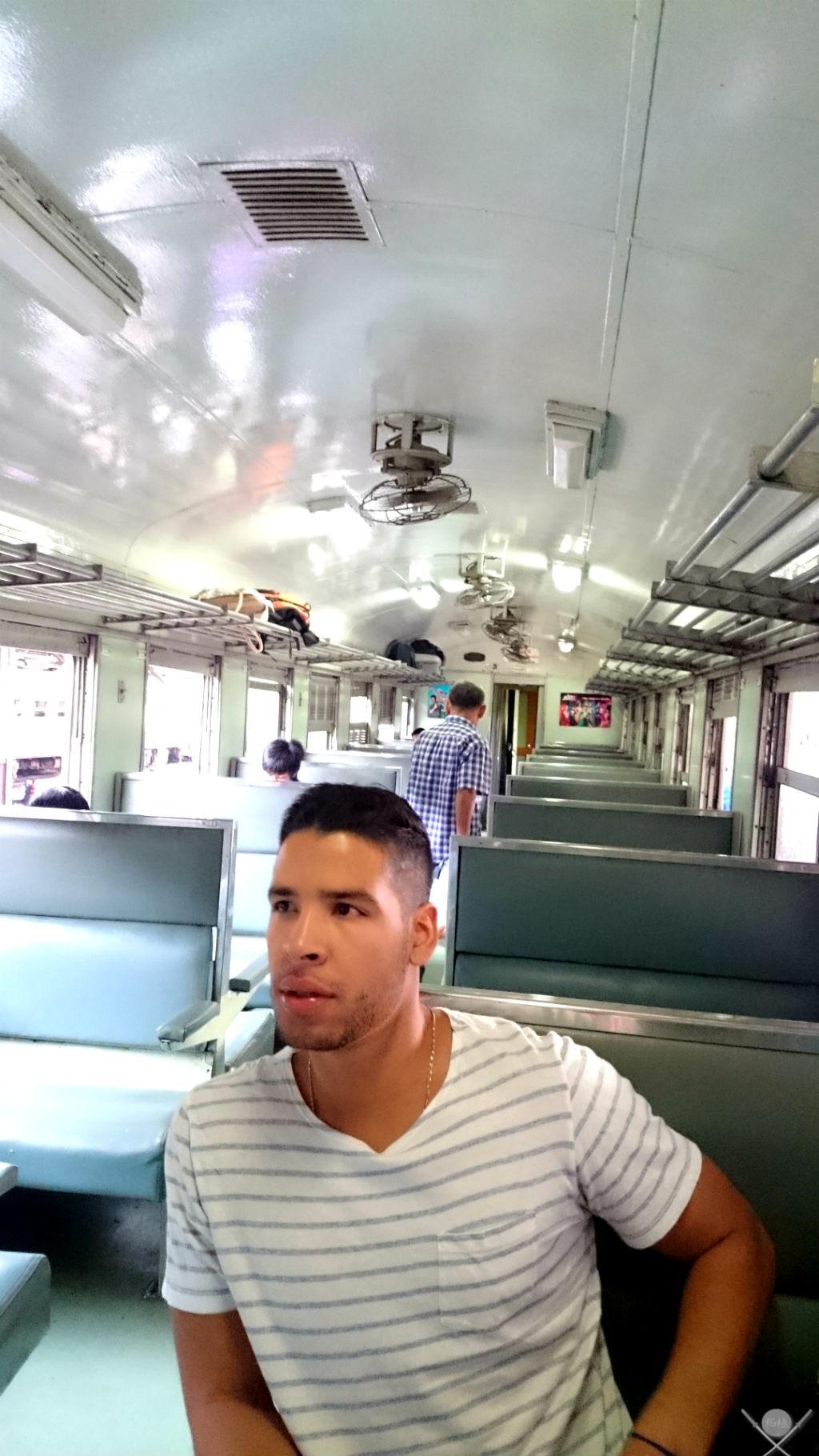 Thailand Ayutthaya Trem 1 Vida de Tsuge VDT 1024x1820