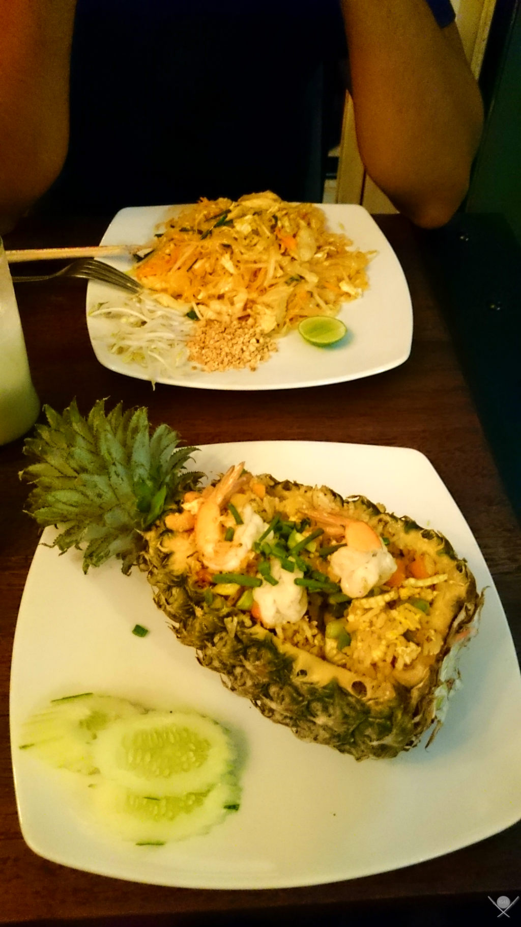 Thailand - Koh Phi Phi - Comidas abacaxi - Vida de Tsuge - VDT