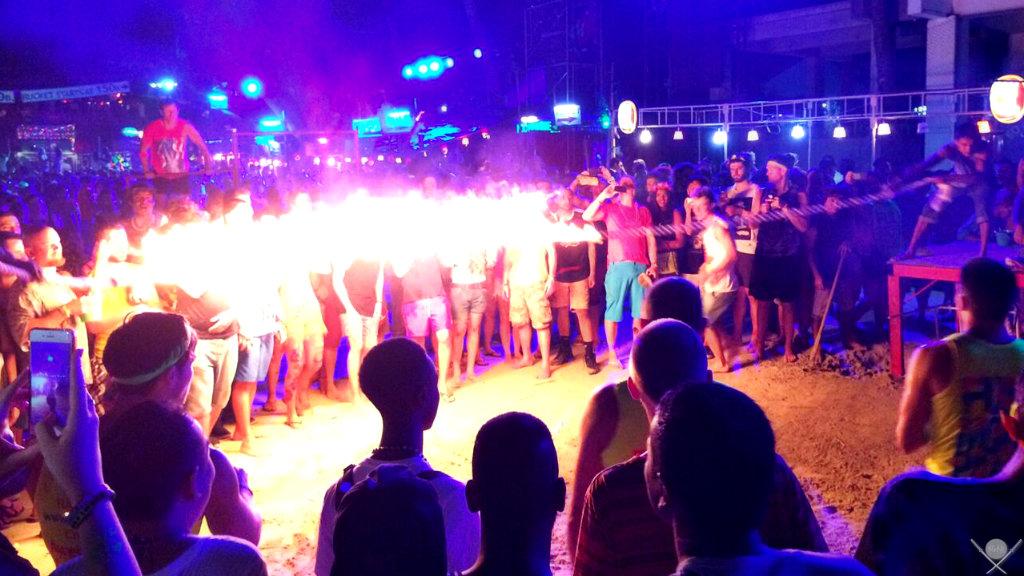 Thailand - Koh Phangan - Full Moon Party - Fogo - Viagens - Vida de Tsuge - VDT