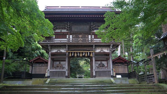 MikuniSuishenxing_Door_Viajando-para-o-Japão_Vida-de-Tsuge_VDT