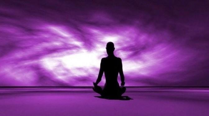 Chama violeta no Reiki o que é? Aprenda a usa-la.