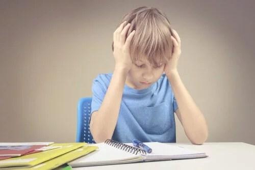 Como ajudar crianças com ansiedade em relação à matemática