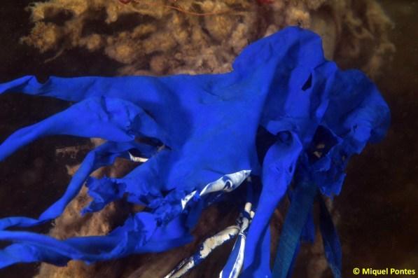 Restes de globus de goma i de tovalloletes