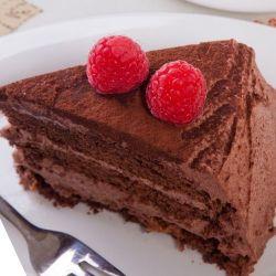 pastel de chocolate con frambuesas