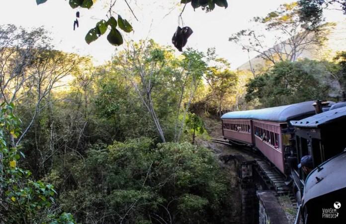 Passeio de Maria-Fumaça - Trem da Serra, Passa Quatro (MG)