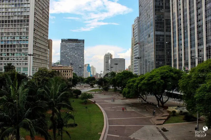 atrações para conhecer a pé no centro de São Paulo: Vale do Anhangabaú