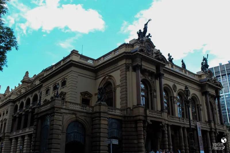 atrações para conhecer a pé no centro de São Paulo: Theatro Municipal