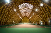 Playing Pro World Coolest Tennis Courts - Amuse