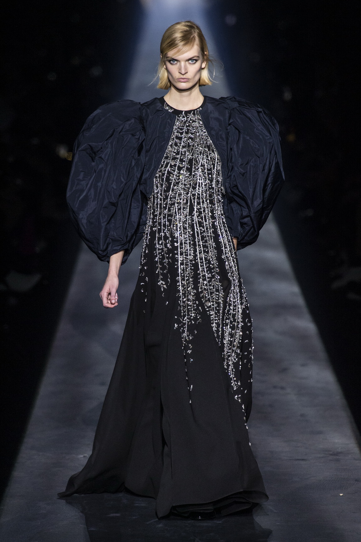 1551723780120-AW19C-Givenchy-192