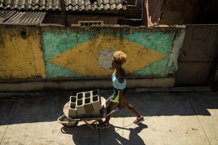 1558529611092-Na-Ponta-dos-Pes-1