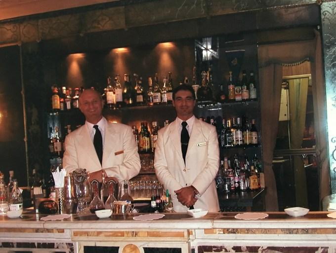 Roberto Pellegrini bartender