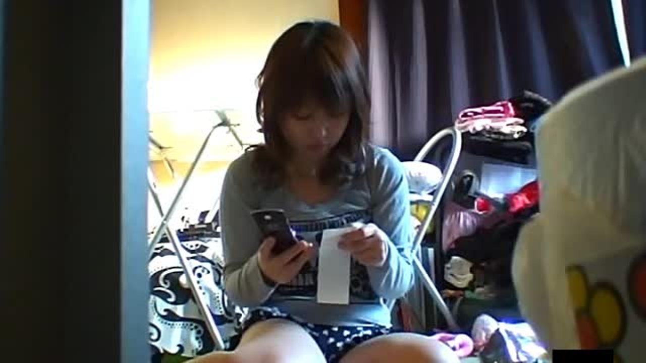 「俺の妹ってこんなにエロいの?w」部屋に仕掛けたカメラが暴く妹の性態