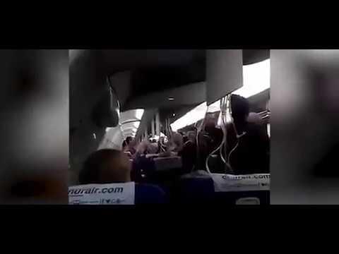 بالفيديو… هلع على متن طائرة تركية تهوي بسرعة وتهبط اضطرارياً