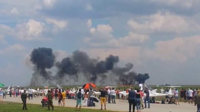 """بالفيديو – تحطم طائرة """"ميغ-21"""" أثناء أدائها عرضا في رومانيا"""