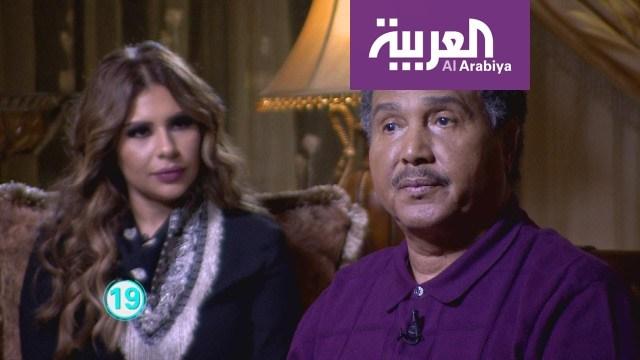 المطرب محمد عبده يغازل مذيعة على الهواء