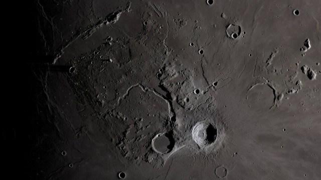 """""""ناسا"""" تعرض تعاقب الليل والنهار على القمر"""