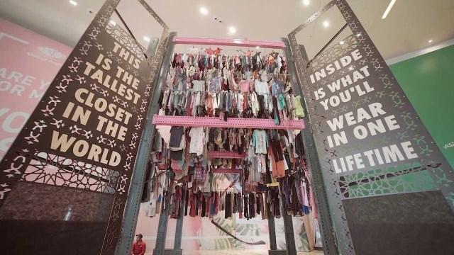 أطول خزانة ملابس بالعالم في دولة عربية
