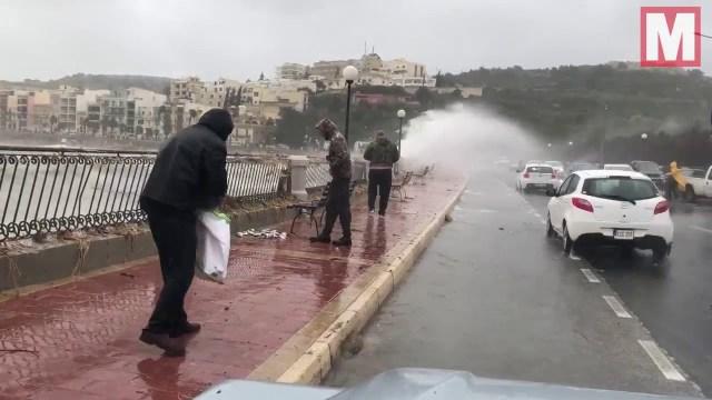 السماء تمطر أسماكا في مالطا