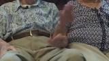 جمعهما الحب والموت.. حكاية زوجين عاشا 71 عاما وماتا في يوم واحد