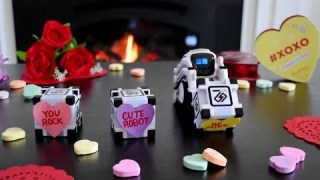 ? TOY ROBOT ?? Anki Cozmo , A Fun, Educational Kids ??