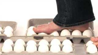 Walking On Eggs – Sick Science! #069