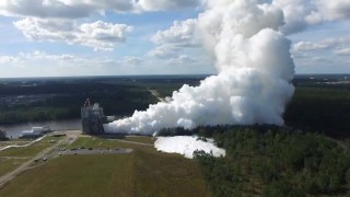 NASA Tests RS-25 Flight Engine for Space Launch System