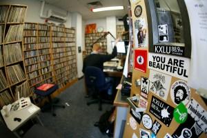 """2 KXLU MG 3421 L - """"KXLU Studio"""""""