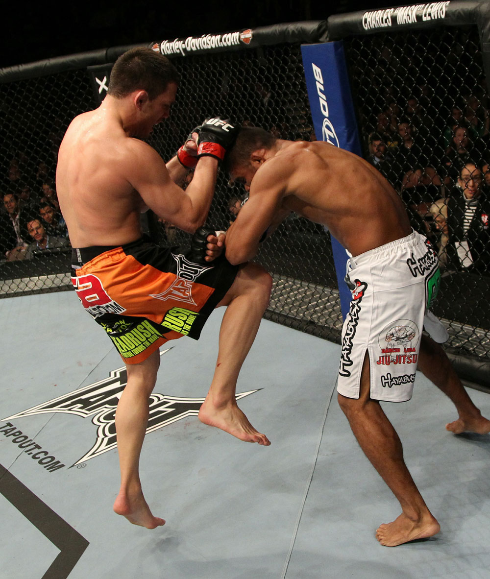 https://i0.wp.com/video.ufc.tv/126/images/126_event/08_ellenberger_rocha_002.jpg