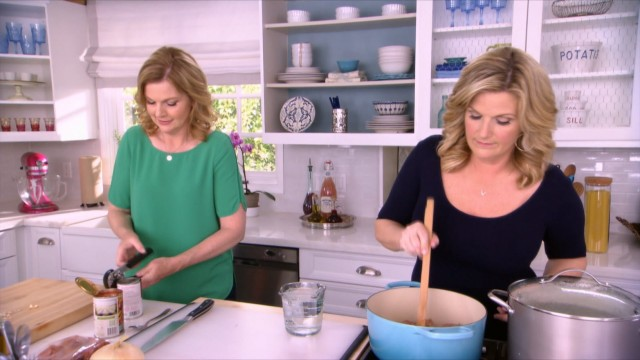 Trishas Southern Kitchen S6 Ep1  Comfort To The Max  SBS Food
