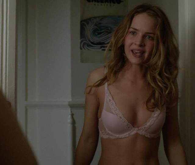 Britt Robertson Sexy Under The Dome S01e01 2013