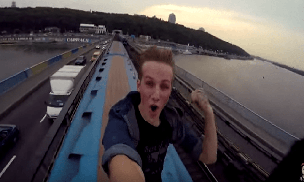 Kid Films Himself Riding On Top Of A Metro Train!No Thank You.