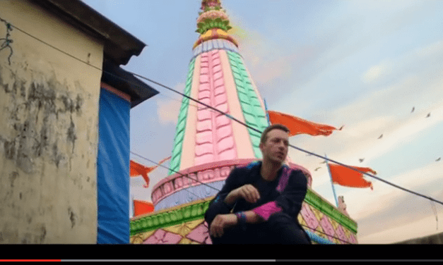 Coldplay – Hymn For The Weekend (Official video)