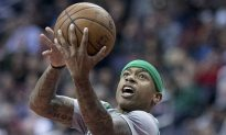 Isaiah Thomas Fights Through Sister's Death, But Celtics Lose To Bulls