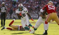 Miami Dolphins Running Back Lamar Miller Autograph Signing at Sinbad Sports