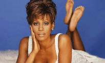 Beverly Hills Cop Took a Sneak Peak at Naked Whitney Houston's Dead Body