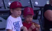 This Kid Never Gave Up On The Hotdog  And Succeeds
