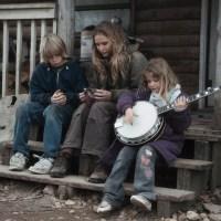 Winter's Bone (2010) - Jennifer Lawrence Shines in Bleak and Gripping Tale...